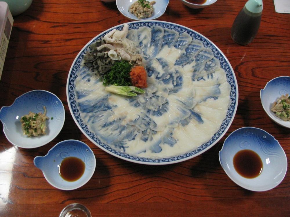 Fugu served sashimi style